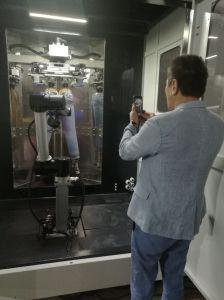 ロボットアームを搭載するデニムのジーンズPPのスプレーのキャビネット