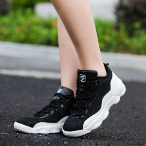 La pallacanestro High-Top degli uomini mette in mostra i pattini respirabili casuali di modo delle donne della maglia delle scarpe da tennis