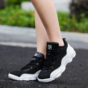 High-Top人のバスケットボールはスニーカーの網の偶然の通気性の女性の方法靴を遊ばす