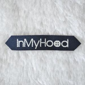 Bonito diseño etiquetas tejidas 100%poliéster para vestir