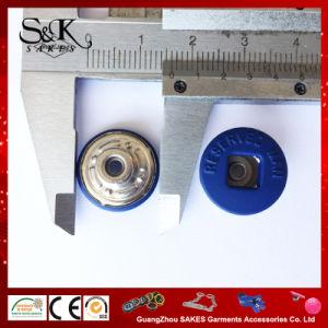 Carré recouvert de caoutchouc personnalisé le trou du milieu du bouton de queue de fixation pour les vêtements