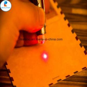 LEDライトとのタッチスクリーンレーザーのポインターの徴候