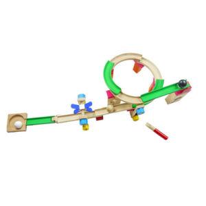 O carro de madeira da trilha da montanha russa que aprende o enigma obstrui brinquedos educacionais