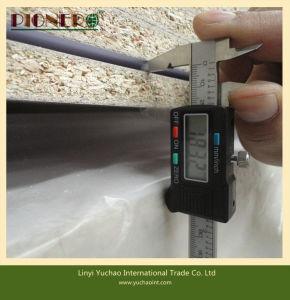 高品質の最もよい価格は9つのmmのメラミンリンイー中国からの削片板に直面した