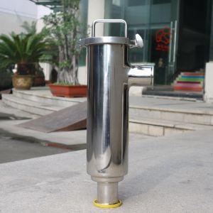 Filtração de água nos tubos sanitários industriais