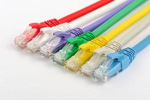 UTP CAT6 DE PVC de 24 AWG/LSZH de fibra óptica Conector RJ45 Cable LAN Cable