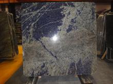床タイルまたは床タイルまたは敷石または階段または踏面またはWindowsの土台またはカウンタートップまたは壁ののための花こう岩の平板の青いSodaliteタイル