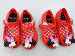 Commerce de gros de chaussures pour enfants Les enfants de lumière douce jusqu'Jelly sandales occasionnel des chaussures en PVC pour enfants