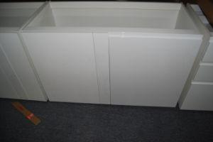 2018 Weiß-Lack MDF-u. Spanplatten-hoher glatter Küche-Schrank