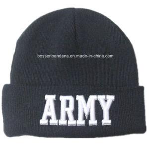 工場農産物はロゴによって刺繍されたアクリルの黒い編まれた冬の帽子の帽子をカスタマイズした