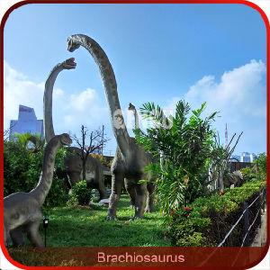 Carino dinosauro cartone animato carattere con sacchetto
