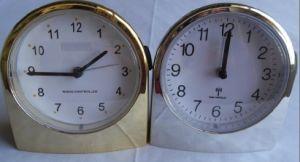Horloge d'alarme contrôlée par radio