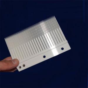 耐久力のある多孔性の陶磁器の据え付け品Al2O3のアルミナの陶磁器の磁器シート