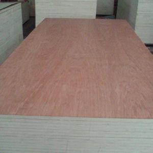 1220*2440mm Gezicht Okoume met Commerciële Ploywood voor BinnenGebruik in Linyi