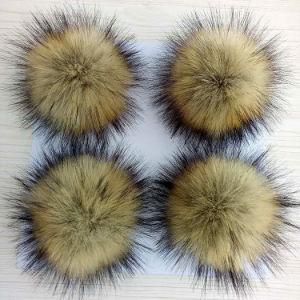 10-15cm Cabelo grande Chaveiro de pelúcia Bola de peles para Beanie Hat Faux Raccoon Fur Poms POM