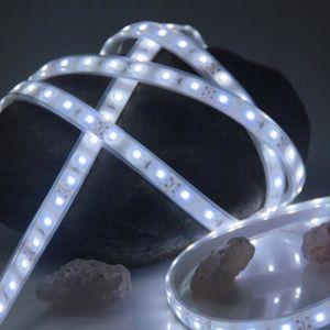 Tiras de LED blanco de 2835 con 120 LEDs por metro 12V