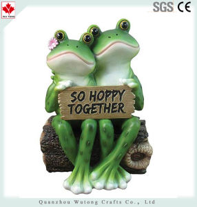 Het gelukkige Beeldje van het Decor van de Pret van het Paar van de Kikker