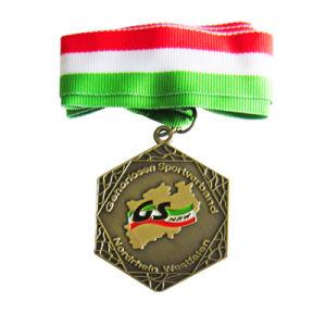 Fabrik-Großverkauf-2D Effekt-rote Farben-Winter-Cup-Preis-Medaille (056)