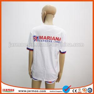 普及したロゴによって印刷される選挙のTシャツを公表しなさい