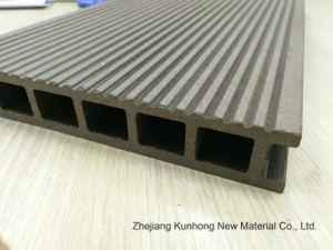 Gerecycleerd Materiaal--Maak waterdicht--of Regelmatige OpenluchtBevloering WPC