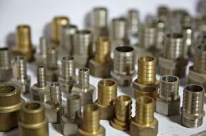 El latón Pex-Al-Pex de montaje del tubo de compresión con níquel