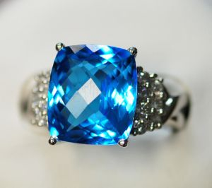 Anello d'argento 925 con il Topaz blu (LBT-1058)