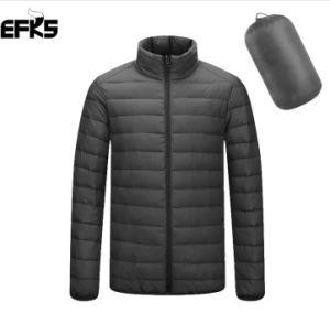 Mens de invierno de alta calidad Diseño ligero y portátil de bolsillo fino 100% de Duck Down Jacket (16133)