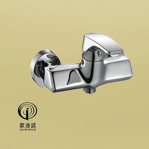 真鍮の物質的な単一のハンドルのシャワーのミキサー68014