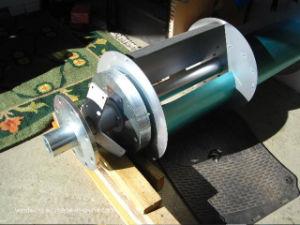 セリウムのアルミ合金の刃が付いている縦の風発電機のタービン