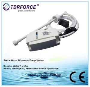접합기를 가진 신식 Flojet 병에 넣은 물 분배 펌프 시스템