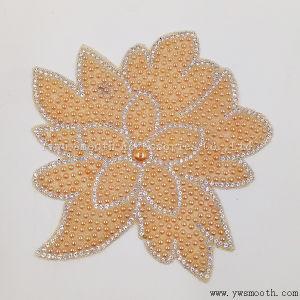 Il fiore di modo borda il ferro del Rhinestone del ricamo sugli accessori della zona