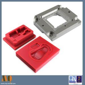 Précision en aluminium à usinage CNC et les pièces en plastique