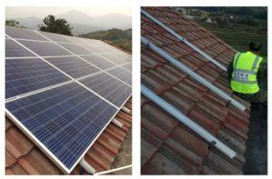 265W 275W Poly panneau solaire photovoltaïque Module avec TUV Ce CEI