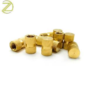 La Chine attache une précision d'usinage CNC écrous moletés inserts en laiton avec de qualité supérieure