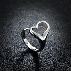 中心の形の女性のリングのシンプルな設計の中心の銀のリングの宝石類