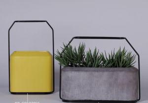 Простой цемента Flower Pot с металлической рамой