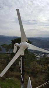 格子システム500W風力発電機を離れてのため