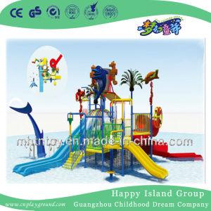 Speelplaatsen van de Dia van het Water van de Apparatuur van de Dia van het Park van het thema de Grote (M11-04802)