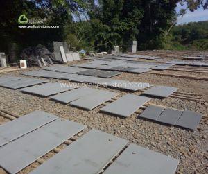 床の敷物の壁のクラッディングのためのスリップ防止砥石で研がれた灰色の玄武岩のタイル