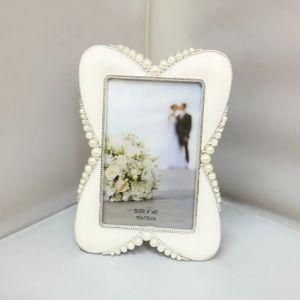 カスタム花嫁の記念品の金属のクラフトの金属の写真フレームはとのくり抜くデザインおよびダイヤモンド(018)を