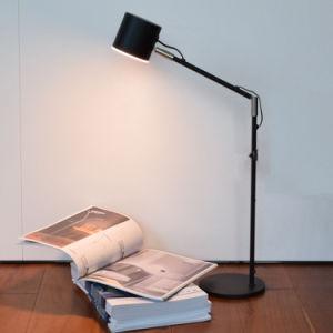 Venta caliente Hotel moderno de la luz de la tabla de acero con cristal de hierro LED lámpara de escritorio