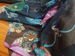 실크 정연한 숙녀 고깔 달린 겉옷 레이스 원형 해군 숄 스카프