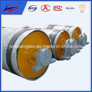 Сотрудников категории специалистов и головки блока цилиндров транспортера со стороны шкива коленчатого вала задний шкив на заводе