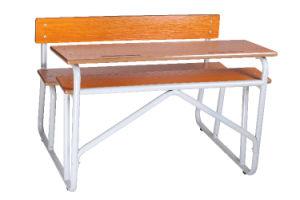 Los estudiantes de modernas aulas el doble de escritorio y silla muebles para la Escuela Secundaria