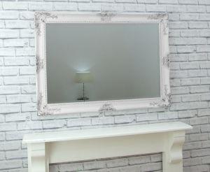 Specchio bianco antico della parete