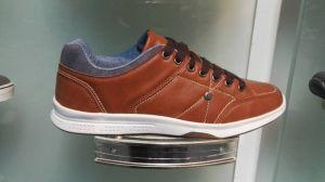 Los hombres Shoelace diseñador de moda casual de cuero Zapatos de skate para los hombres