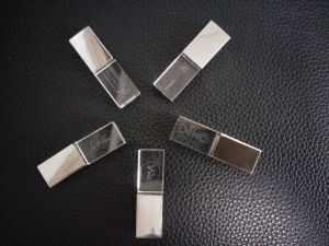 Logoカスタム2GB 4GB 8GB USB Crystal