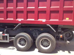 336/371HP Sinotruk (CNHTC) HOWO 6X4のダンプカートラックZz3257n3447A1