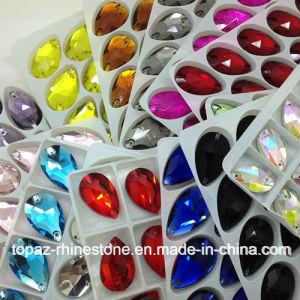 De gekleurde Vlakke Rug van het Bergkristal naait op de Parels van het Glas voor Schoen Ornanment (sW-Scheur daling 17*28mm)