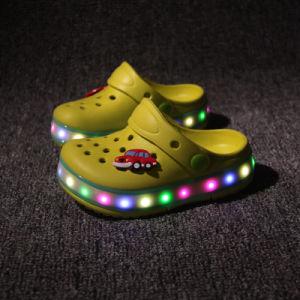 a2d313b6e Nuevo estilo Unisex zapatos sandalias de verano recargables LED zapatos  para niños